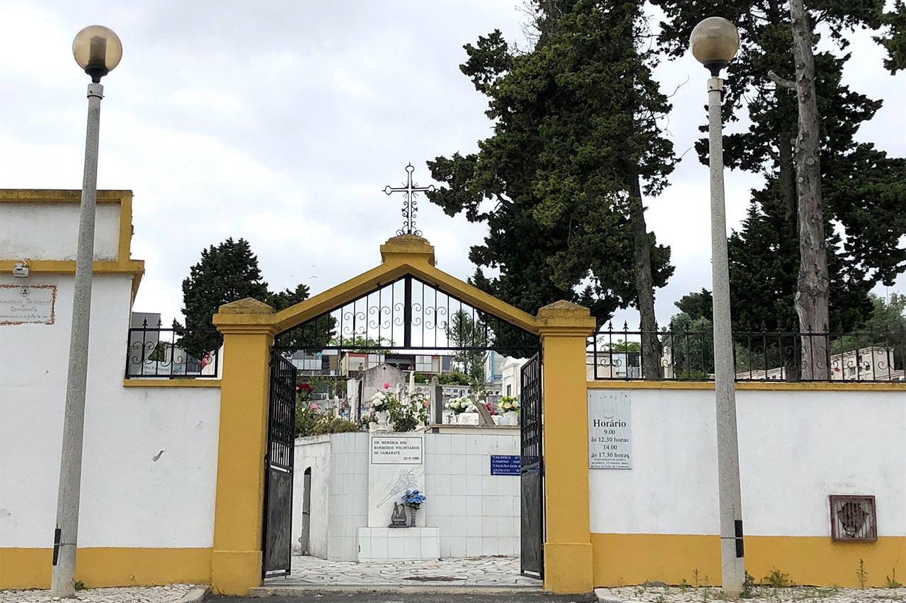 Cemitério Paroquial de Camarate